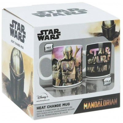 "Кружка Paladone Star Wars: The Mandalorian - Mando himself along with The Child aka ""Baby Yoda"" (Heat Change) PP7367MAN (300 мл)"