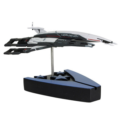 Mass Effect: Alliance Normandy SR-1 Ship Replica