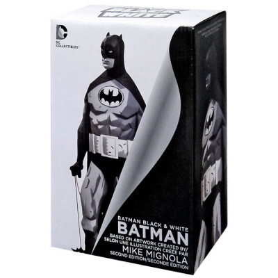 Фигурка Batman: Black & White Statue By Mike Mignola (19 см)