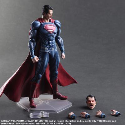 Фигурка Batman v Superman: Dawn of Justice - Play Arts Kaш - Superman (27 см)
